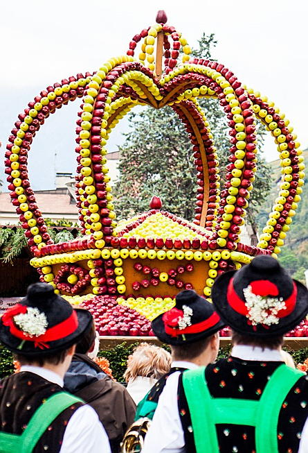 Merano - The well-known apple crown is dedicated to the successful apple harvest.