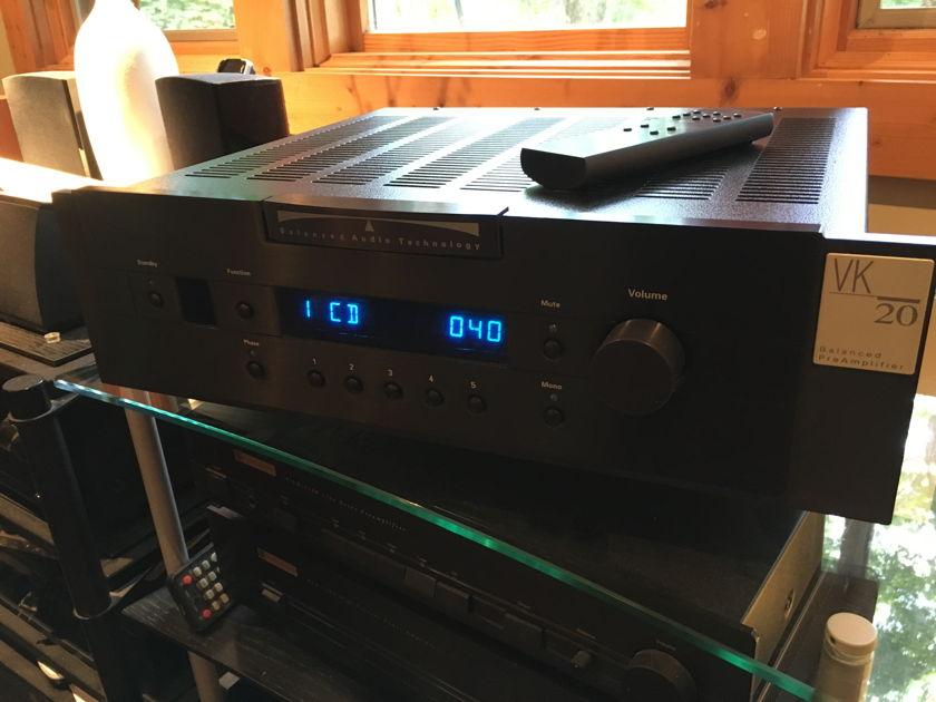 Balanced Audio Technology  (BAT) VK-20r Beautiful preamp w/ phono
