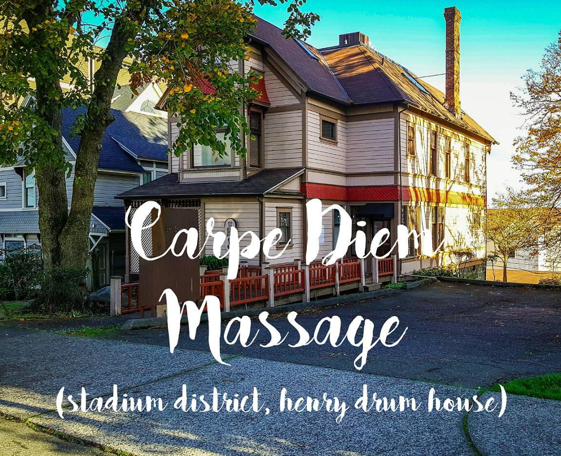 Carpe Diem Massage, Exterior of the House