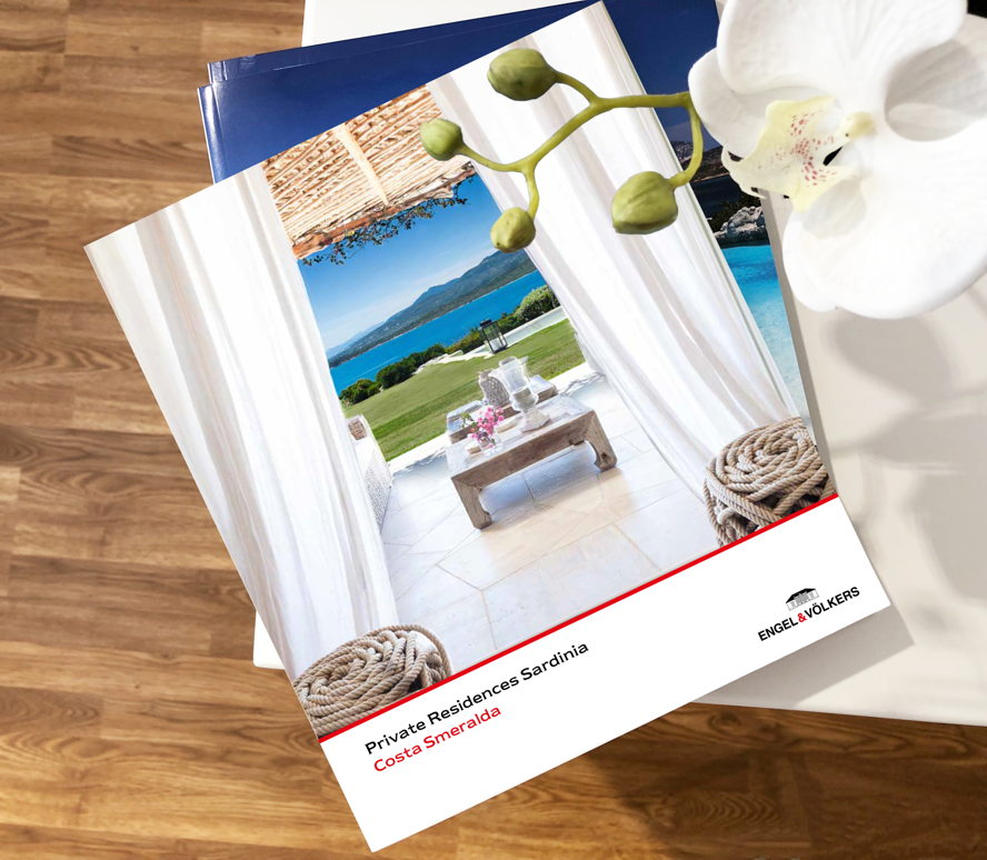 Porto Cervo (OT) - Discover the new issue of the Private Residences Costa Smeralda: the Engel & Völkers Porto Cervo brochure dedicated to the most exclusive villas and apartments for sale and rent in Costa Smeralda.