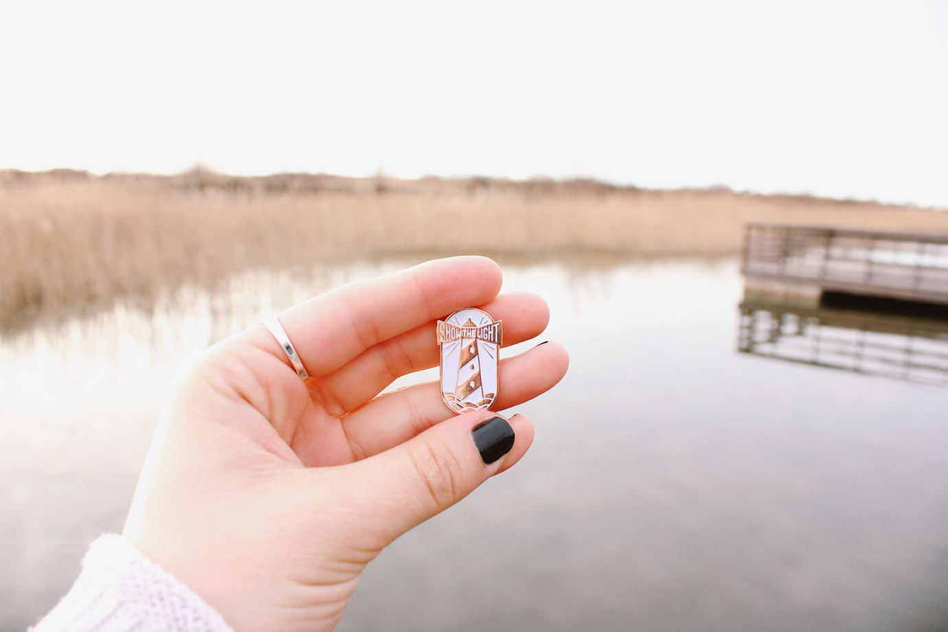 Маяк — металлический значок с мягкими эмалями