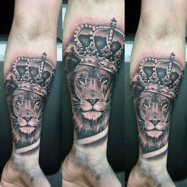 Tatouage Lion Couronne Avant Bras