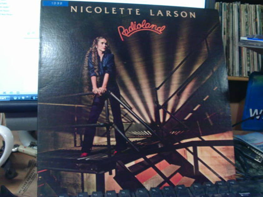 Nicolette larson - RADIoland