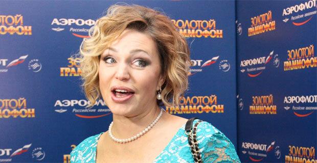 Алла Довлатова отмечает 45-летие - Новости радио OnAir.ru