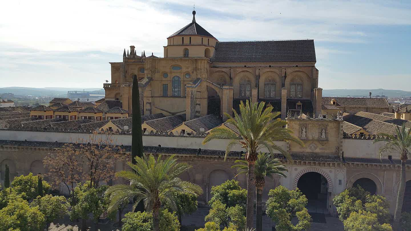 Spain - mosquecathedral-of-cordoba-1541649_1920.jpg