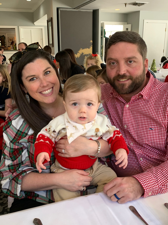 The Hodges family posed together at Christmastime