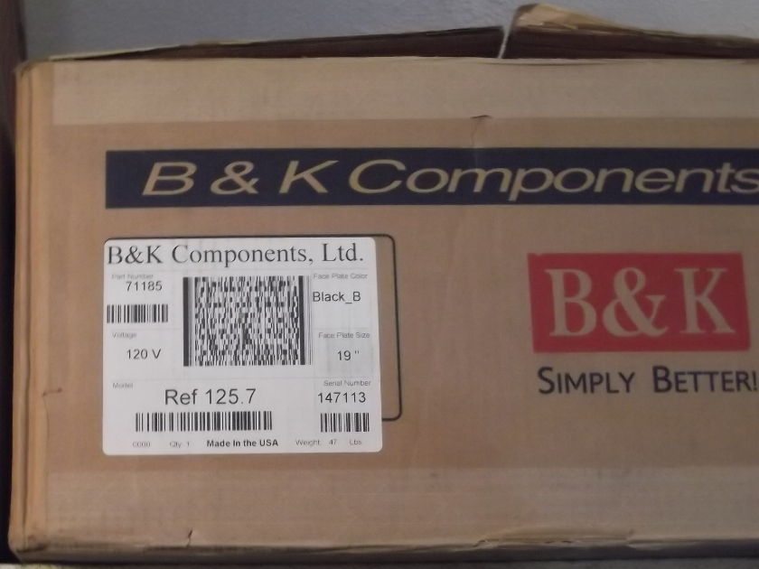 """B&K Components Reference 125.7 19"""" Black 7 Channel Amp"""