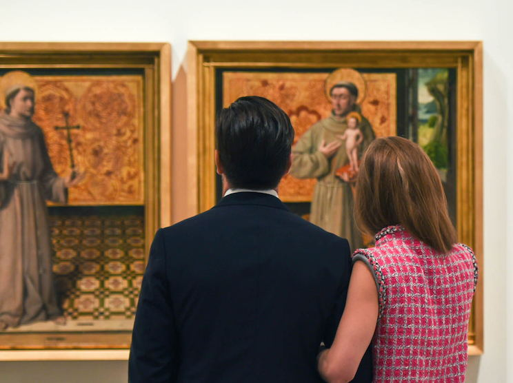 Couple looking at Spanish Art