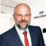 real-estate-agent-steffen-voss-engelvoelkers-elbe.jpg