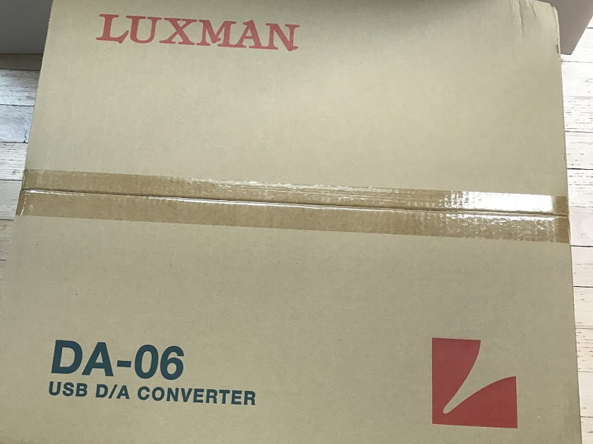 Luxman D-06