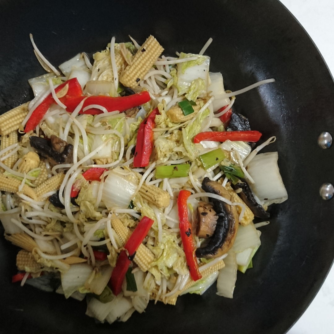 Date: 26 Dec 2019 (Thu) 23rd Side: Chinese Vegetable Stir-Fry [158] [132.6%] [Score: 8.0] Side dish for my birthday lunch.
