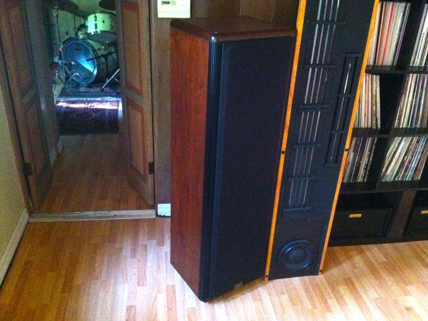 Legacy CONVERGENCE LOUDSPEAKER SYSTEM Rosewood Very nice condition