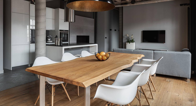 Table industrielle sur mesure en bois massif
