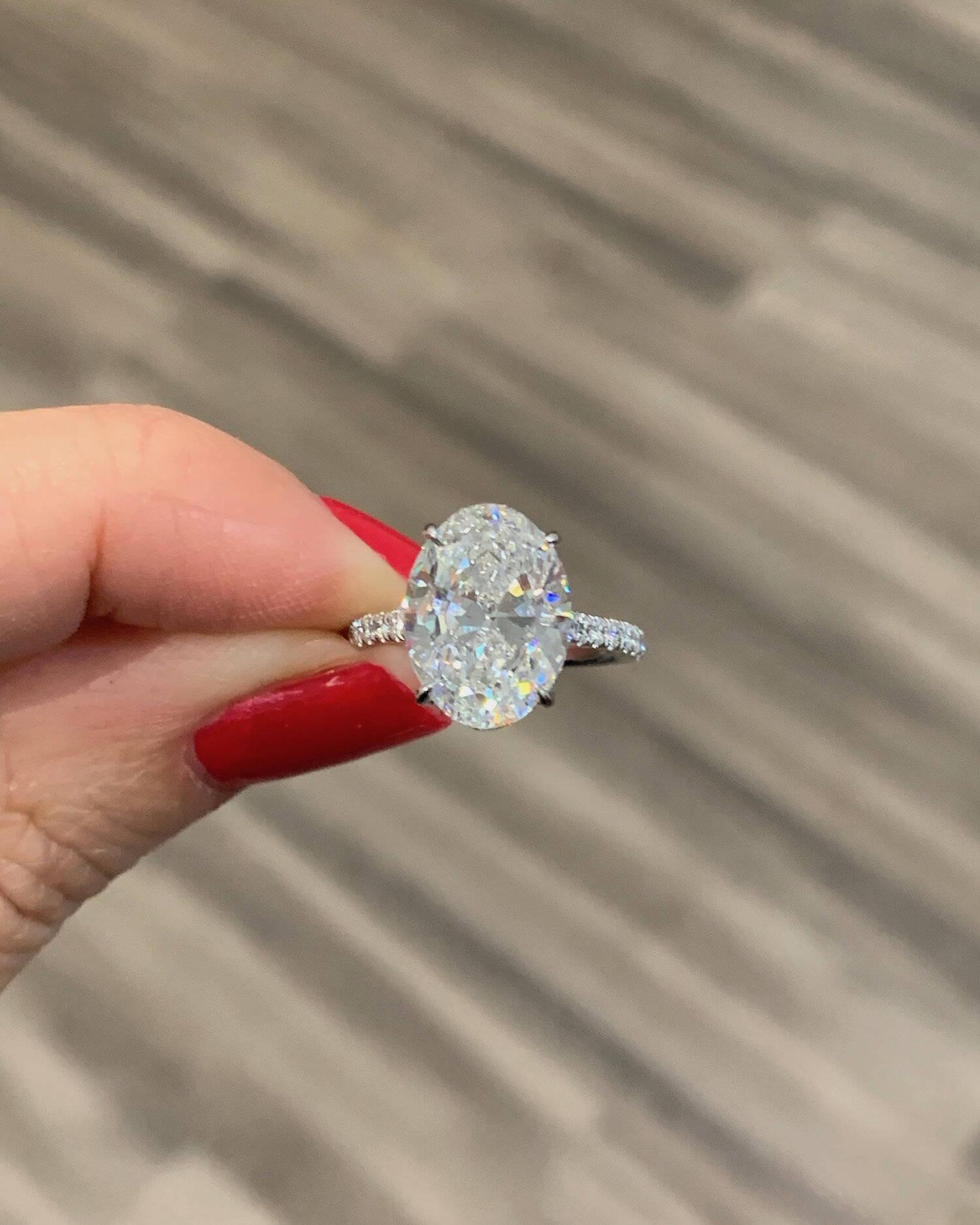 Miss Diamond Ring 3 Carat 4 Carat Oval Diamond Engagement Ring