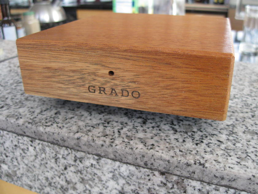 GRADO PH-1 PHONO PRE-AMP EXCELLENT IN ORIGINAL BOX, MANUAL