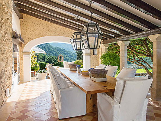 Visp - On the west coast of Mallorca, the impressive estate of Ses Costes is for sale for 16.5 million euros. The plot covers around 53 hectares and offers a unique panoramic view of the Tramuntana mountain range. (Image source: Engel & Völkers Mallorca)
