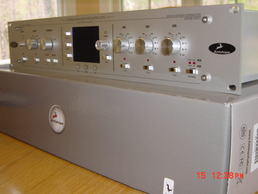 Antelope Audio  Isochrone TRINITY  Master Clock