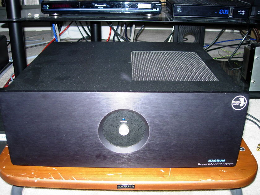 Rogue 88 Magnum stereo power amplifier