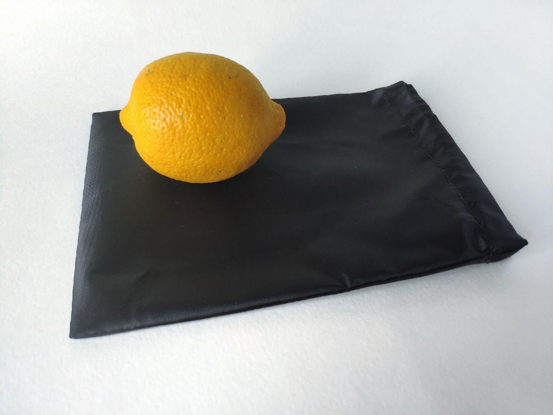 Средний черный мешочек из водонепроницаемой ткани S