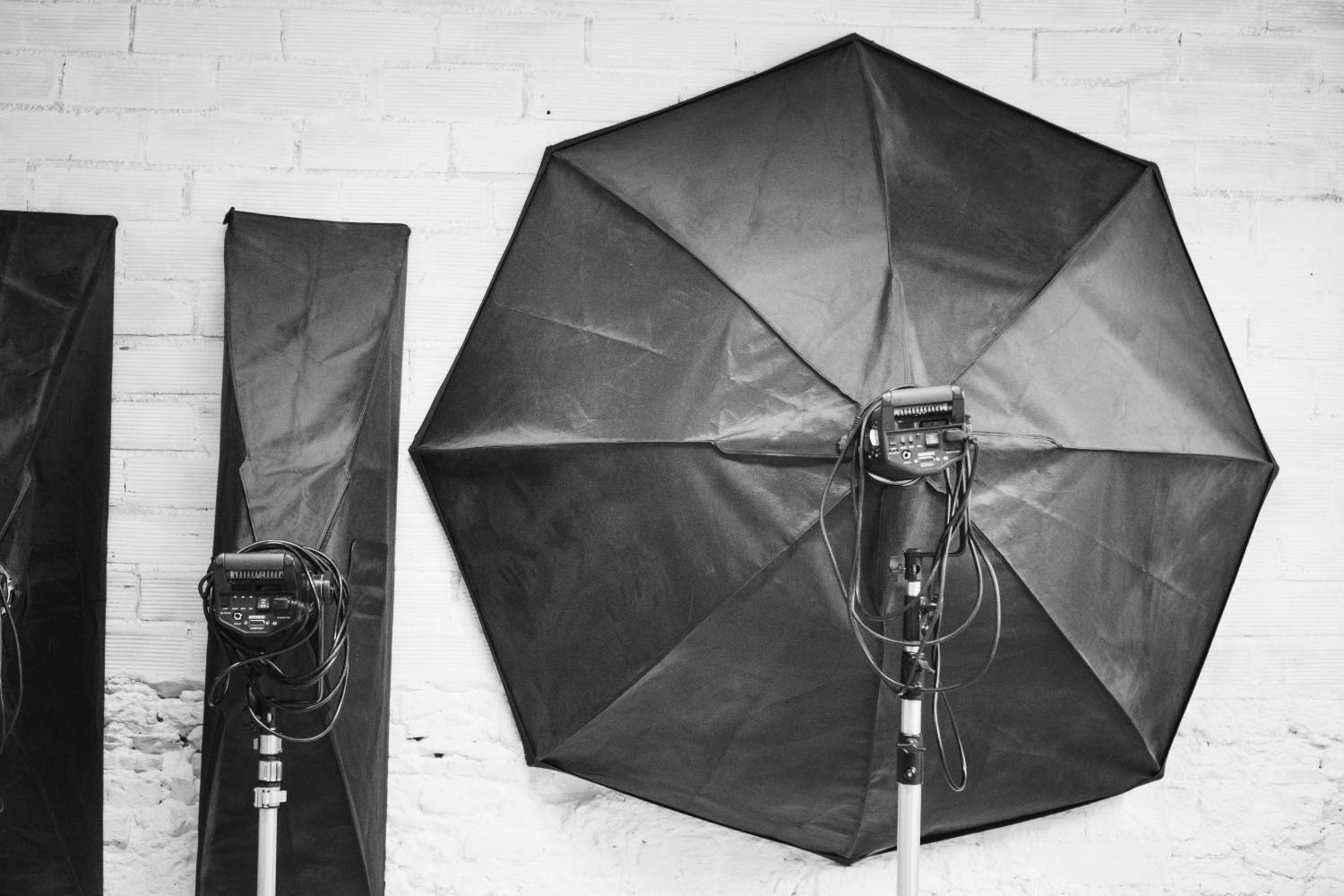 how to use reflectors in newborn photography