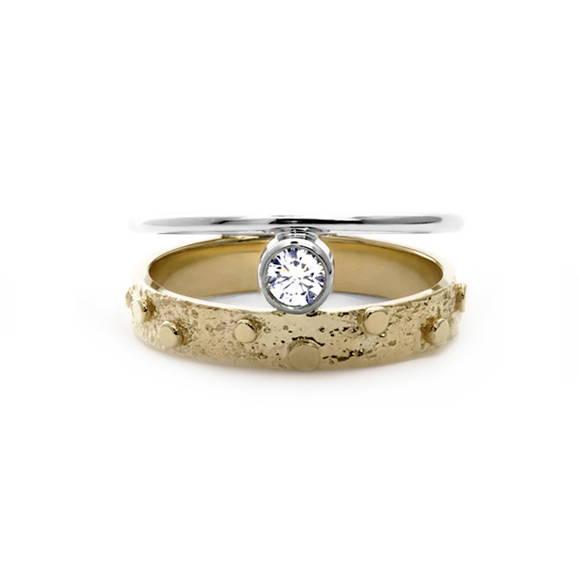 bague de fiançailles deux joncs avec diamant serti clos en or blanc et jaune