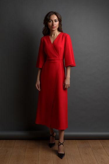 Красное платье длины миди Made  By
