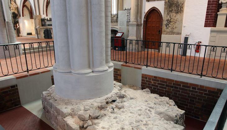 stiftung stadtmuseum nikolaikirche sichtgrube feldsteinmauern