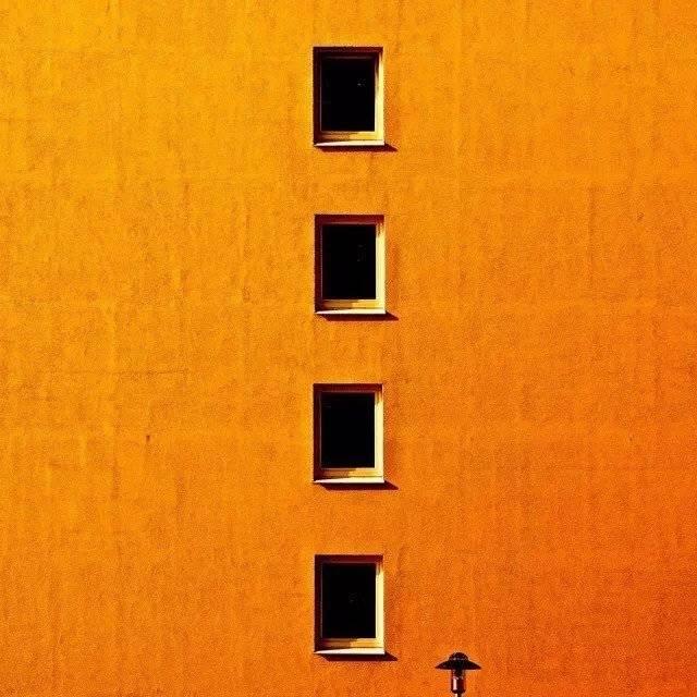 minimalist architecture Photo by Kai C. Schwarzer