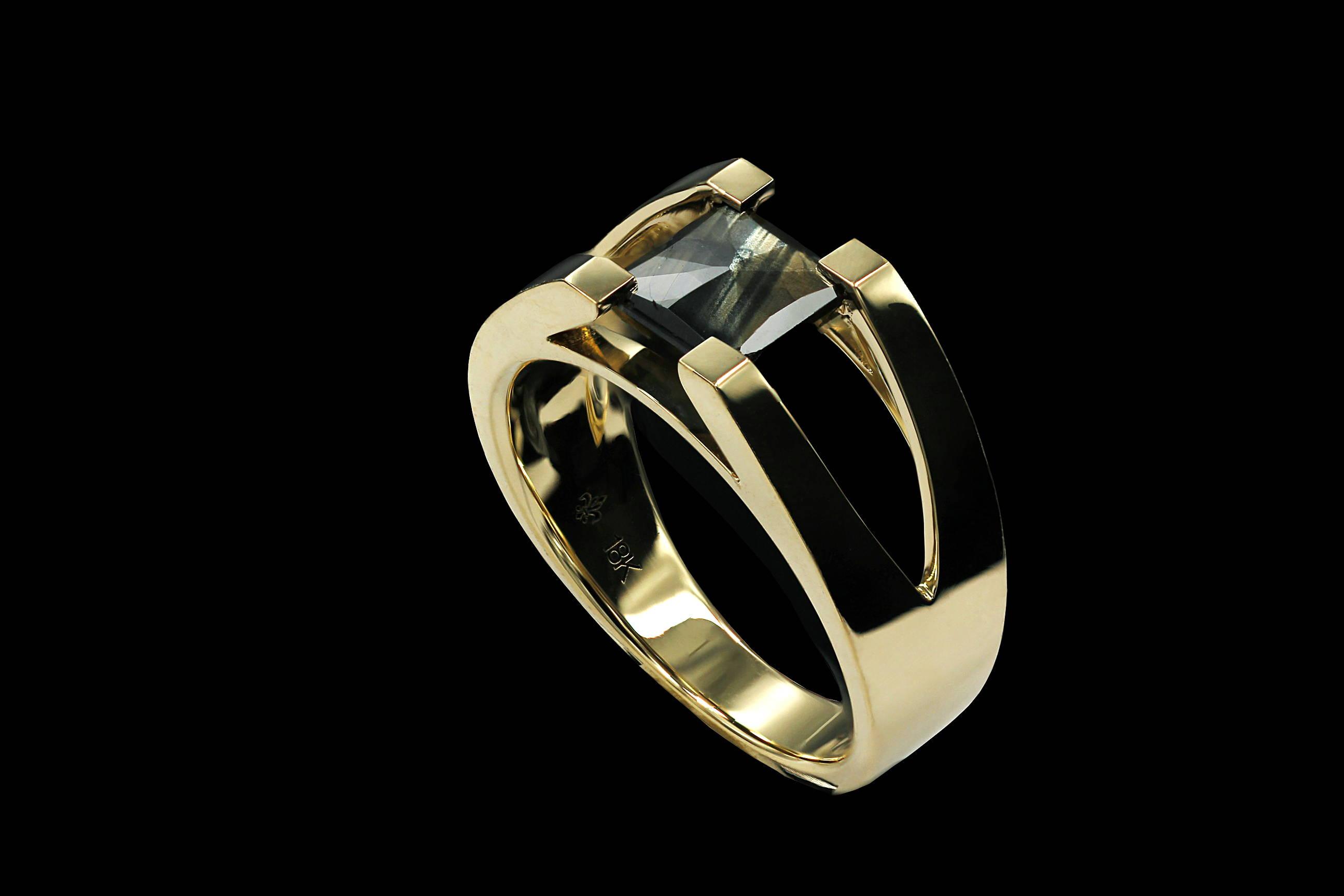 Denis`s gold sheen sapphire ring
