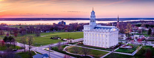 Panoramic aerial photo of the Nauvoo Temple and gorunds.