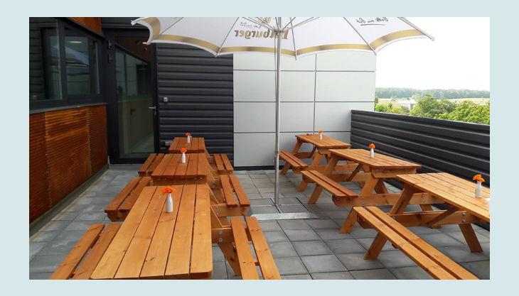 hurricane factory berlin sitzgelegenheiten outdoor