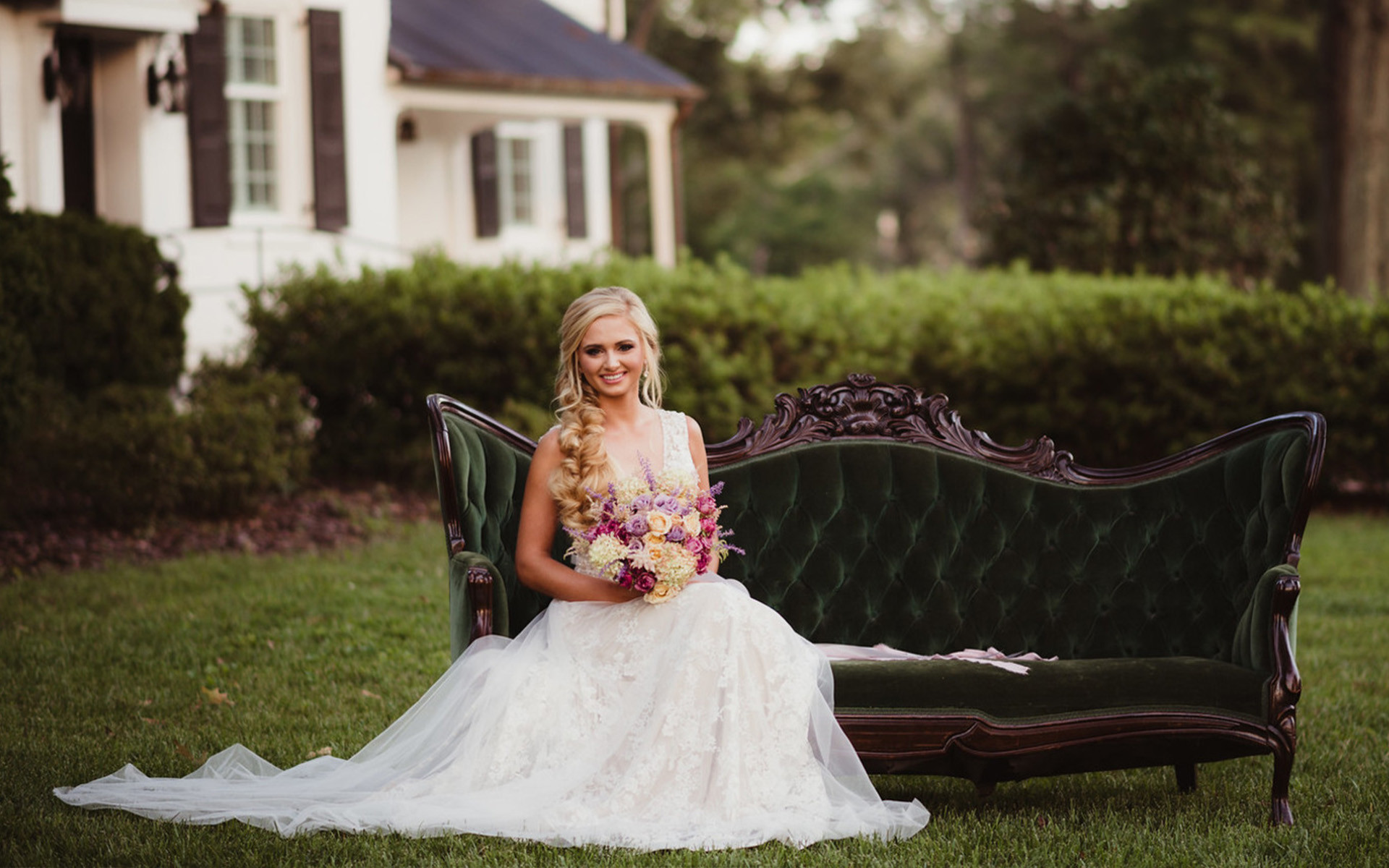 Sweet Lilac, Soft Lavender and Moody Mauves Combine in this Warm Inspiration Shoot