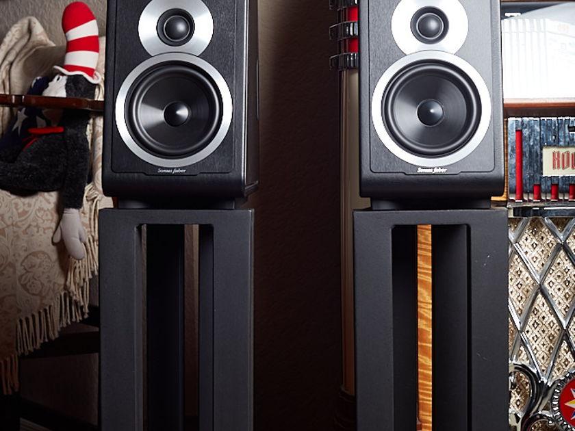 sonus faber chameleon b mint greyblack monitors audiogon. Black Bedroom Furniture Sets. Home Design Ideas