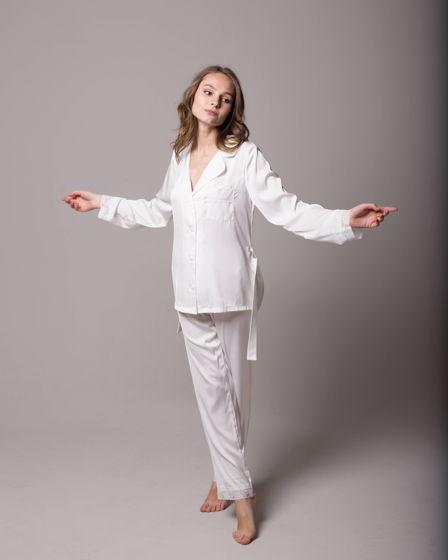 Женская шелковая пижама с кружевом