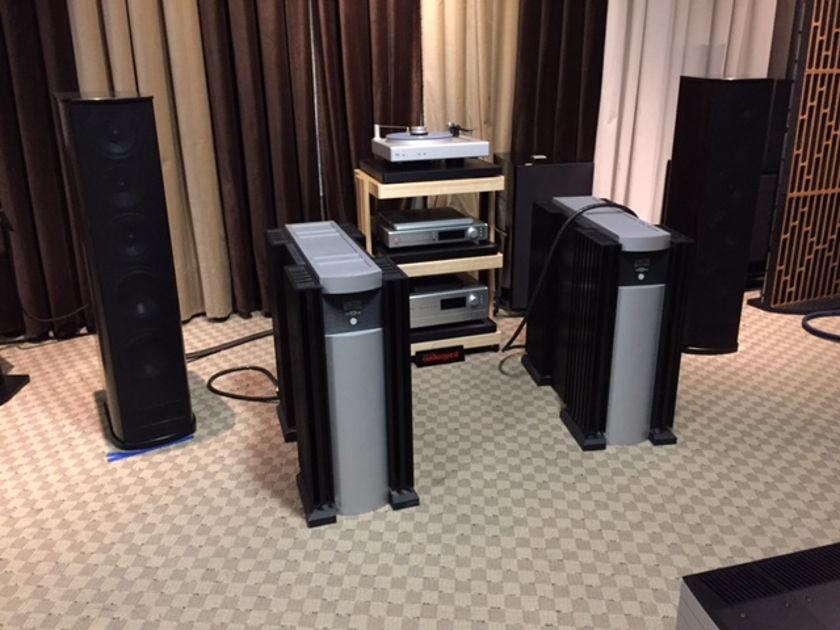 Mark Levinson No 33 Mono block 1 pair Amplifiers for sale