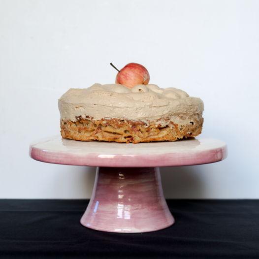 Керамическая тортовница ручной работы розового цвета