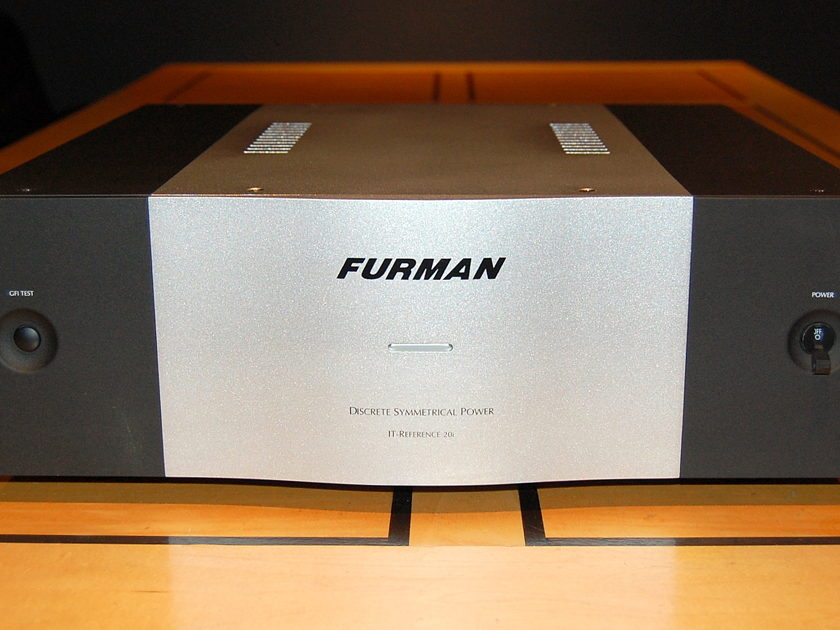 "Furman Sound IT Reference 20i superb  ""Balanced Power"" AC power conditioner"