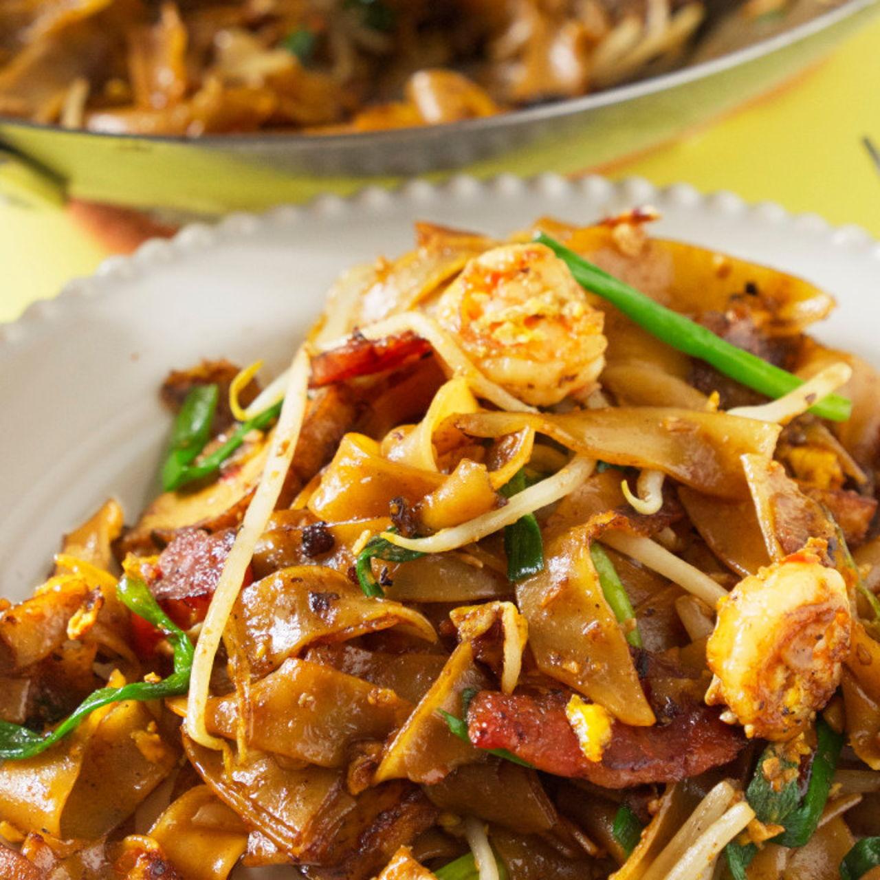 Penang) Char Kuey Teow - Southeast Asian Recipes - Nyonya Cooking