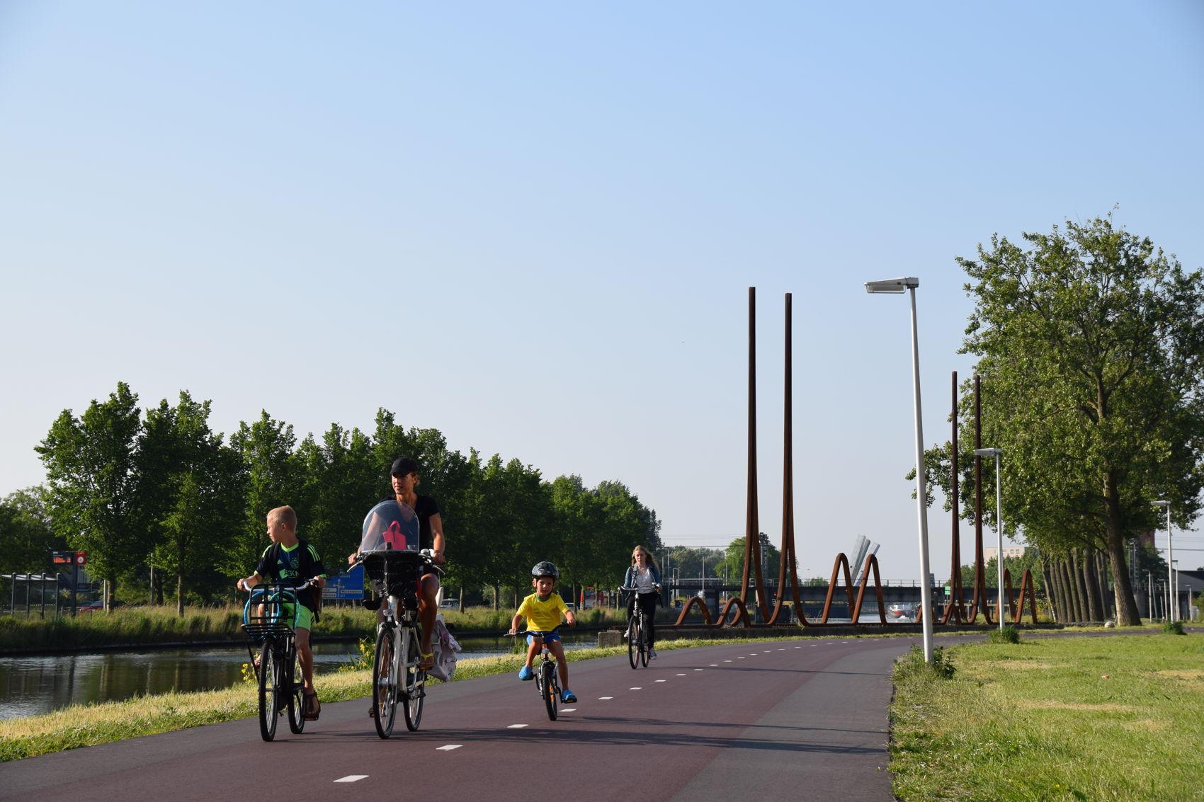 Purmerend fietsen langs kanaal