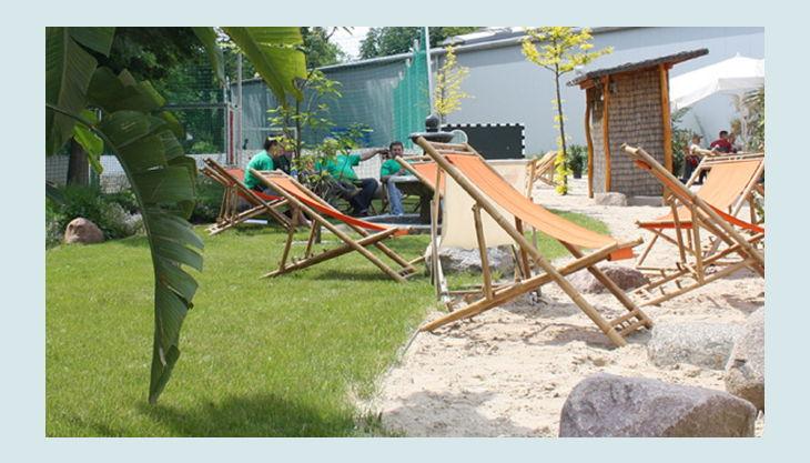 kickerworld berlin outdoor liegstühle
