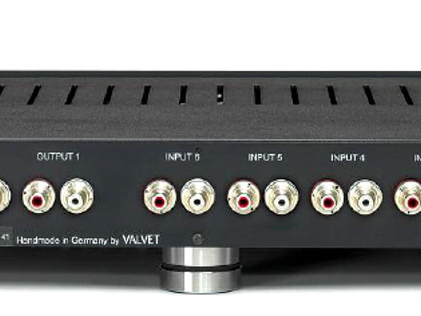 VALVET P2c tube preamp with MM/MC phono - new design, new review