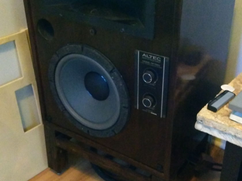 Altec Lansing Model 15 Gorgeous walnut