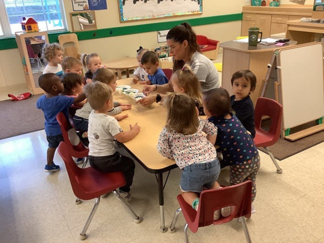 Early Preschoolers at Primrose Lakewood Ranch Town Center campus started working on a colorful science experiment!