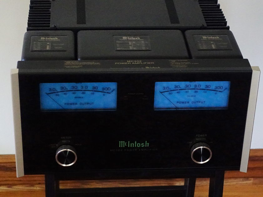 McIntosh C302 Amplifier