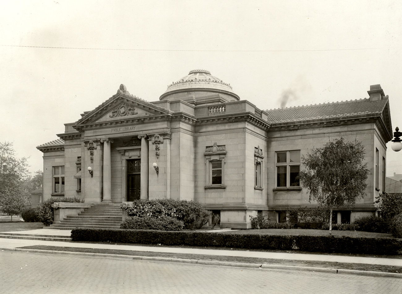 Carnegie Library front, 1905