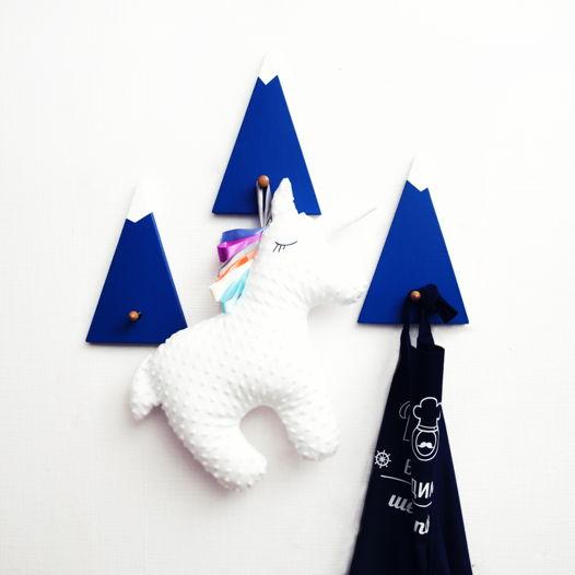 """Набор из трёх деревянных вешалок для одежды """"Blue mountains"""""""
