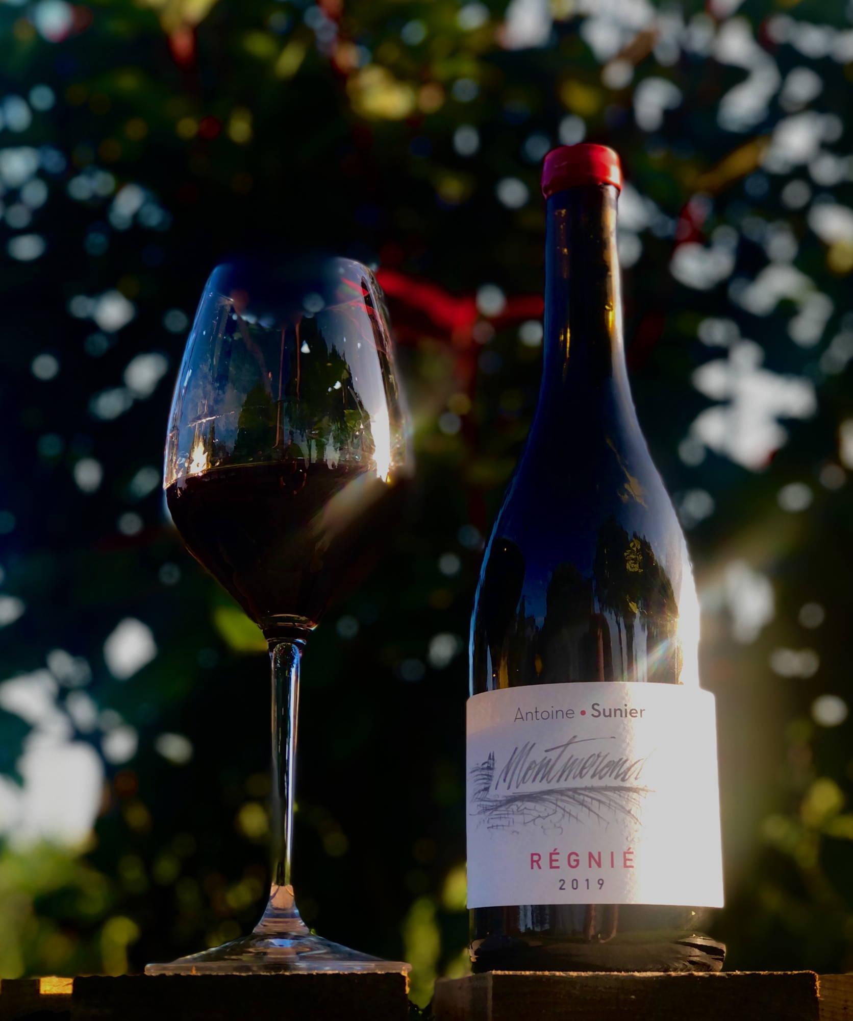 régnié-montmerond, beaujolais, gamay, antoine sunier, morgon, france, vin nature, rawwine, organic wine, vin bio, vin sans intrants, bistro brute, vin rouge, vin blanc, rouge, blanc, nature, vin propre, vigneron, vigneron indépendant, domaine bio, biodynamie, vigneron nature, cave vin naturel, cave vin, caviste, vin biodynamique, bistro brute