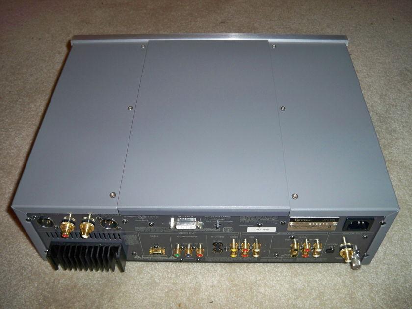 Esoteric Audio Teac DV-50S DVD/DVDA/CD/SACD universal player