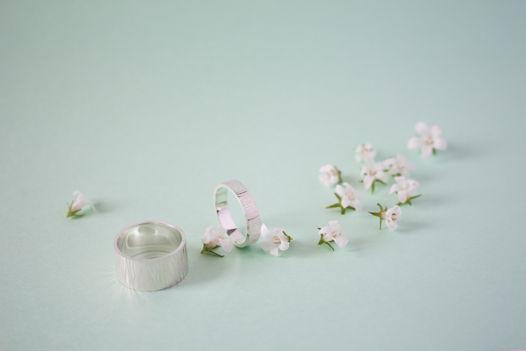 Широкое фактурное кольцо из серебра