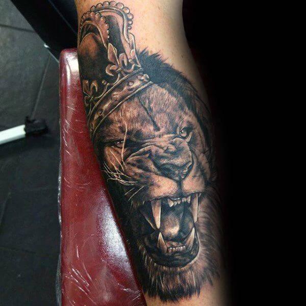 Tatouage Lion Avant Bras Couronne